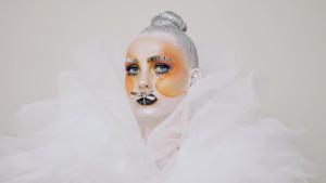 Luova meikkaus kilpailumeikki - 3